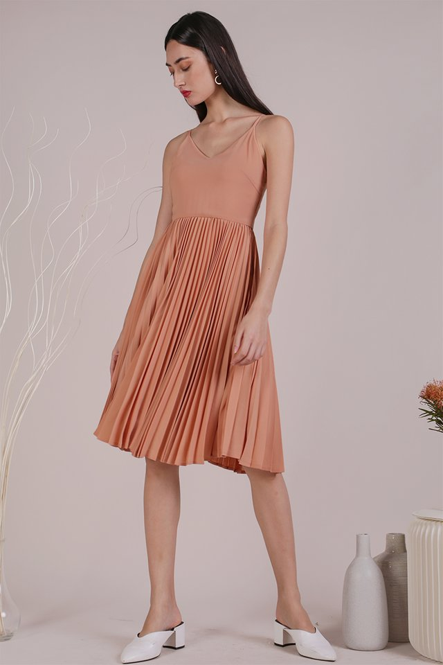 Kiki Pleated Dress (Peach)